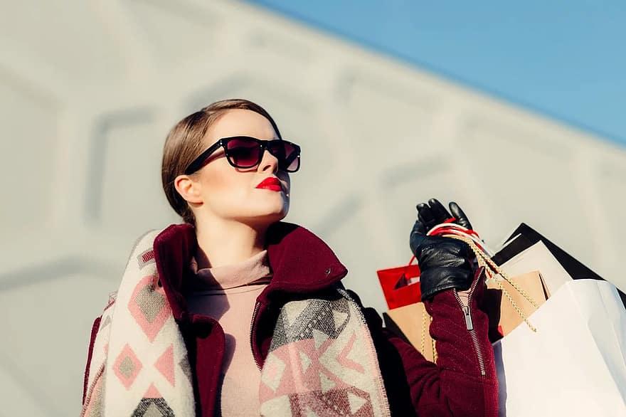 Напишете описания на модните си продукти